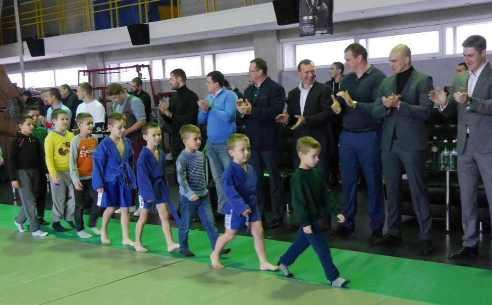 В  Ужгороді відбувся чемпіонат міста з бойового та спортивного самбо: фото, фото-1