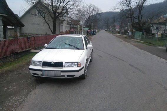 Поліція з'ясовує деталі аварії на Тячівщині, у якій постраджала 12-річна дитина: фото, фото-1