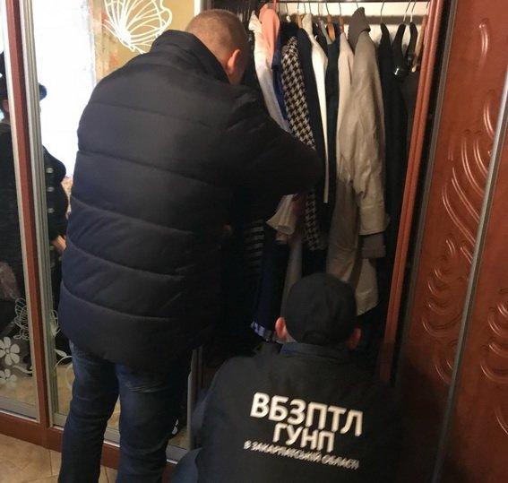 На Закарпатті поліція вийшла на слід організаторів незаконної переправи мігрантів: фото, фото-3