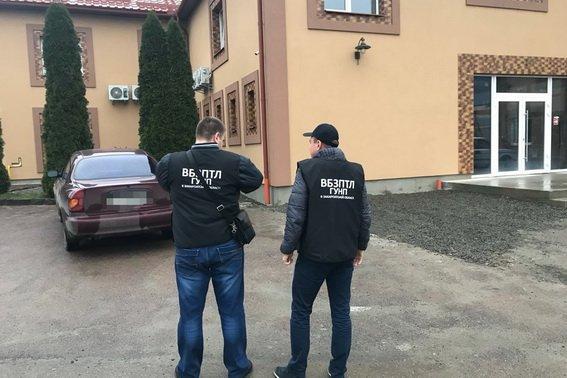 На Закарпатті поліція вийшла на слід організаторів незаконної переправи мігрантів: фото, фото-4