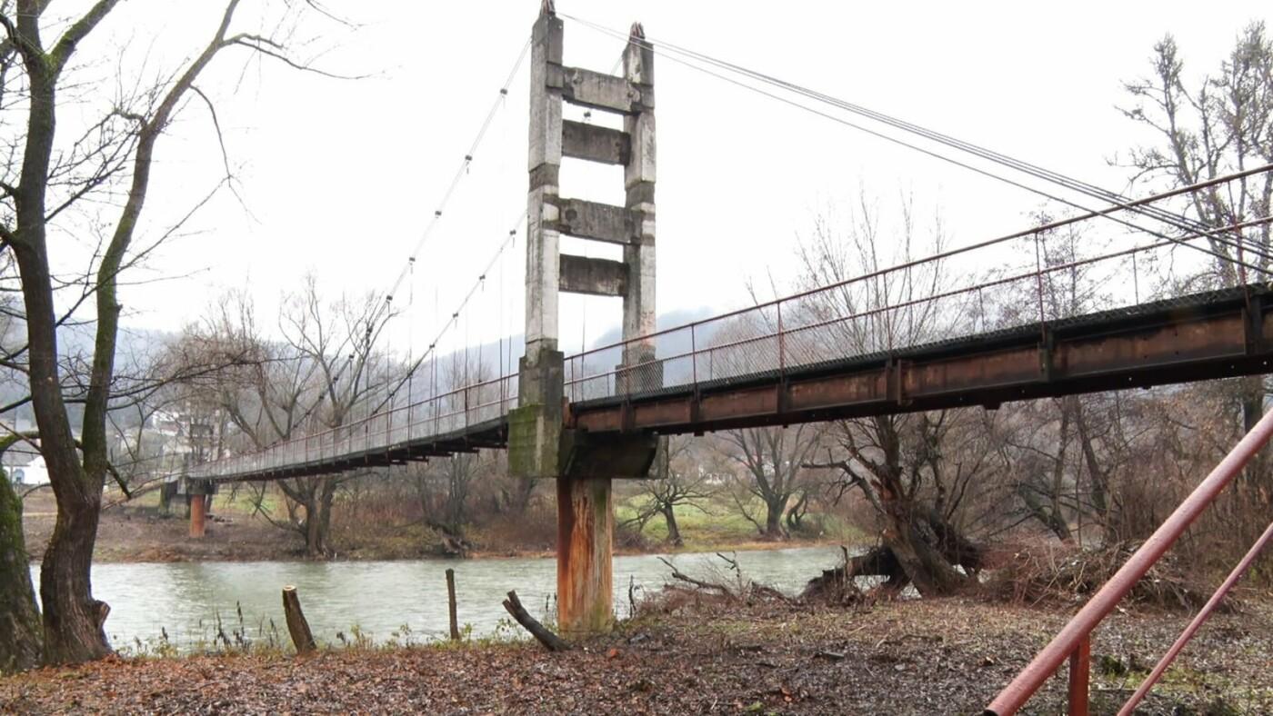На Перечинщині  відремонтували аварійний міст між залізничною станцією та селом (ВІДЕО, ФОТО), фото-1