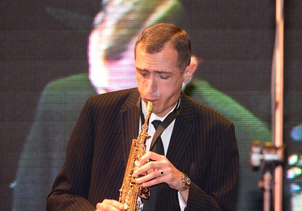 У джазі не тільки дівчата: в Ужгороді пройшов 10-й «Пап-джаз-фест» (ФОТОРЕПОРТАЖ), фото-10