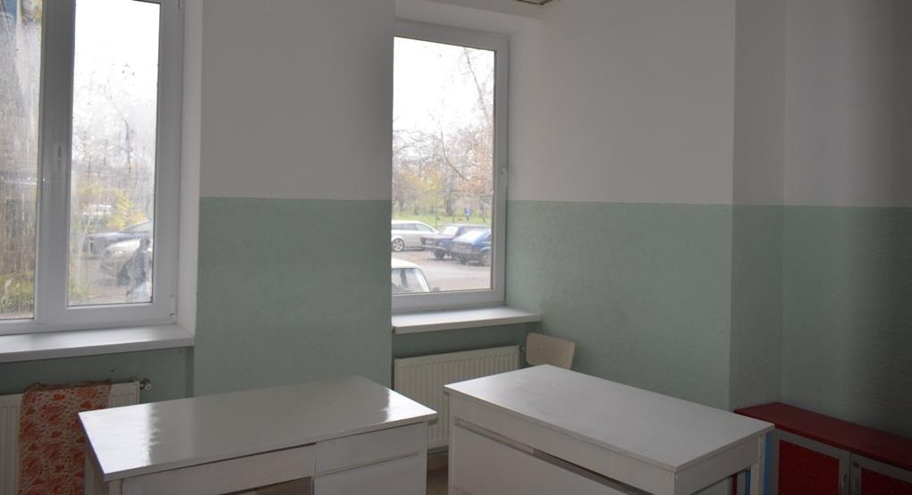 """Не робили ремонт 30 років: в Ужгороді готують до відкриття після капремонту """"сімейну"""" амбулаторію на Сечені: фото, фото-3"""