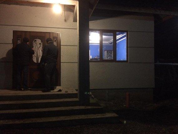 В Мукачеві у дворі приватного будинку пролунав вибух: фото, фото-1
