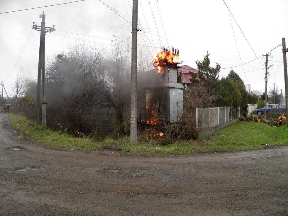 У Сторожниці - пожежа: рятувальники гасили вогонь на трансформаторній підстанції (ФОТО, ВІДЕО), фото-6