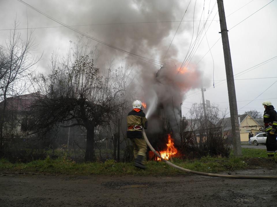 У Сторожниці - пожежа: рятувальники гасили вогонь на трансформаторній підстанції (ФОТО, ВІДЕО), фото-5