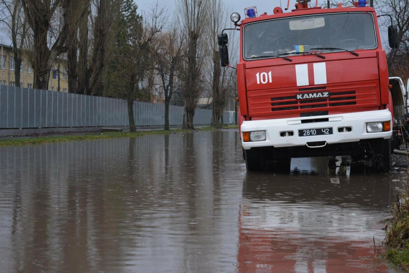 Закарпаття затопило: 490 гектарів сільгоспугідь, житлові помешкання та дороги під водою: фото, фото-10