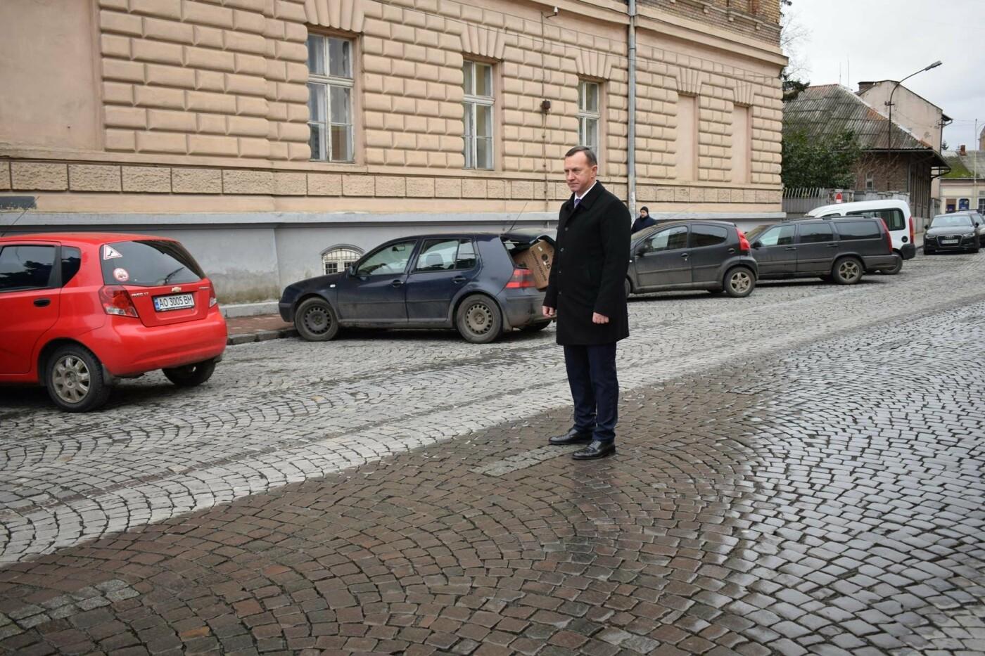 В Ужгороді після капремонту за 1,5 мільйонів гривень відкрили вулицю Панаса Мирного: фото, фото-4