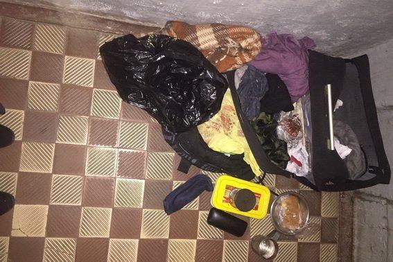 На залізничному вокзалі Мукачева евакуювали 30-х осіб: на станції знайшли підозрілу чорну сумку (ФОТО), фото-2