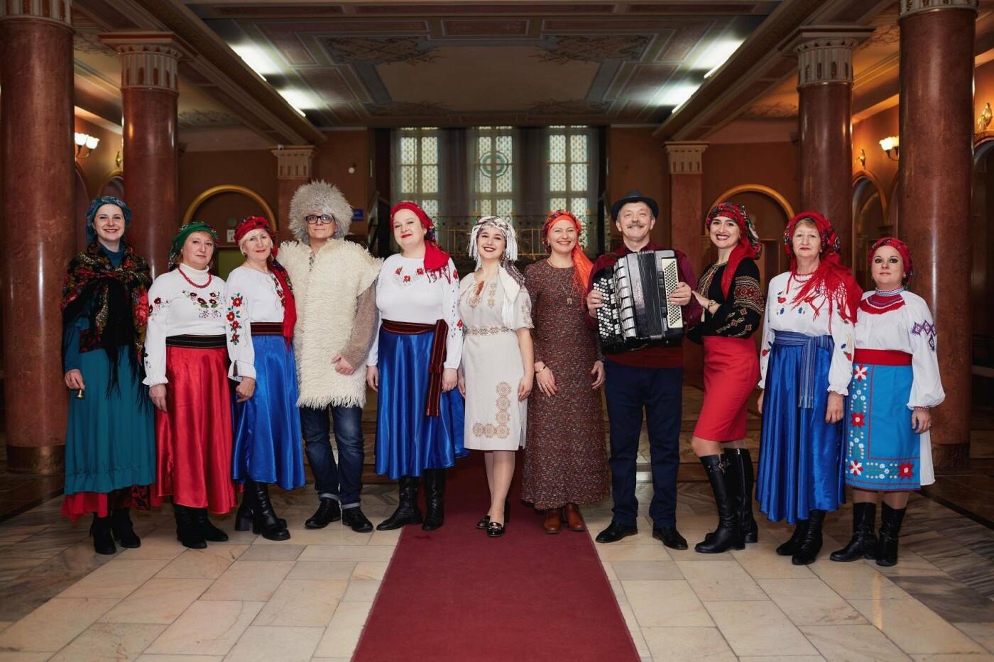«Різдво по-ужгородськи», або як колядують в обласному центрі Закарпаття (ФОТО, ВІДЕО), фото-1