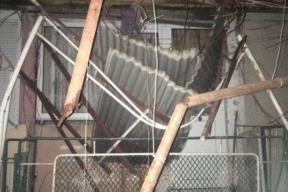У Мукачеві жінка випала з 5-го поверху, встала і пішла (ФОТО, ОНОВЛЕНО), фото-1