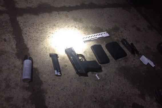 В Ужгороді на Капушанській чоловік вистрелив з пневматичного пістолета в дитину та 24-річного хлопця (ФОТО), фото-3