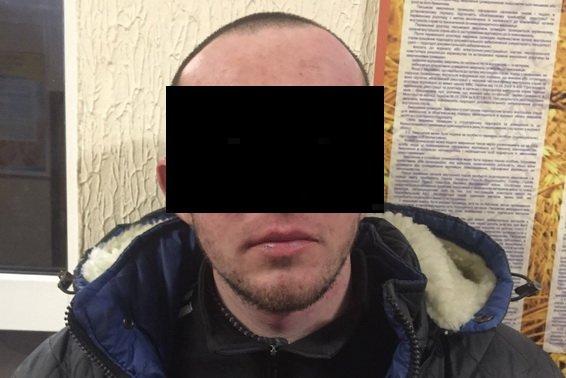 На Іршавщині злочинець, погрожуючи фармацевту, намагався пограбувати аптеку: фото, фото-1