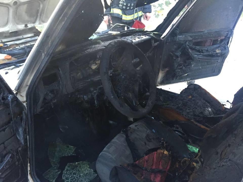 Пожежу гасило 4-ро рятувальників: на Іршавщині під час руху загорівся ВАЗ (ФОТО), фото-3