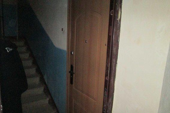 Ужгородець загубив ключі від квартири і ввечері у нього з-під подушки 16-річний хлопець вкрав 700 доларів (ФОТО), фото-1