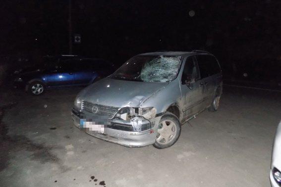 """Біля Хуста п'яний водій на """"Опелі"""" збив велосипедиста і втік: непритомного чоловіка доставили в реанімацію (ФОТО), фото-1"""