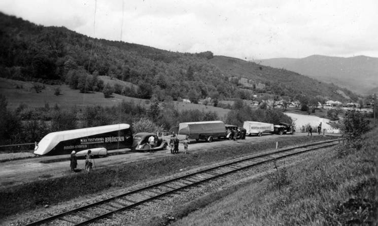 Як 80 років тому закарпатськими дорогами курсували літальні апарати (ФОТО), фото-1