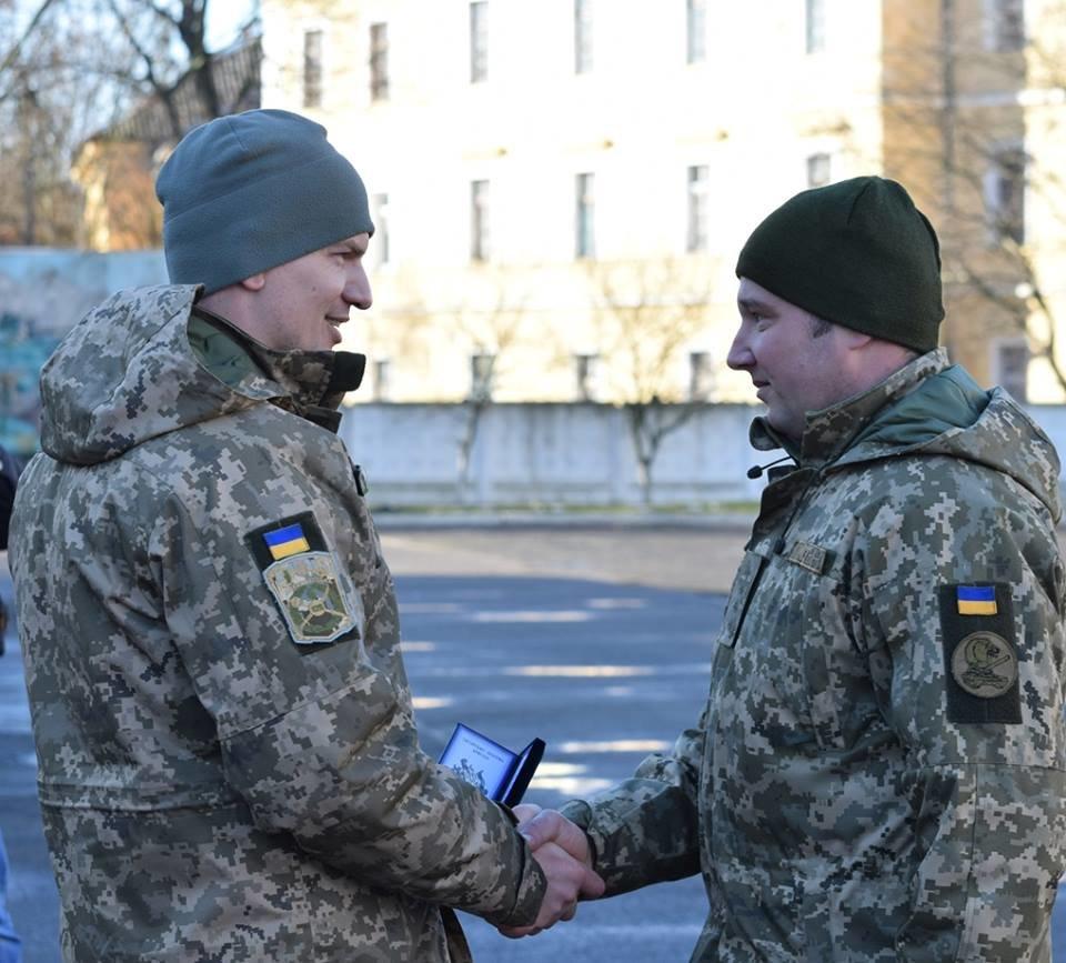 В Ужгороді урочисто вітали бійців 128-ої гірсько-піхотної бригади: фото, фото-8