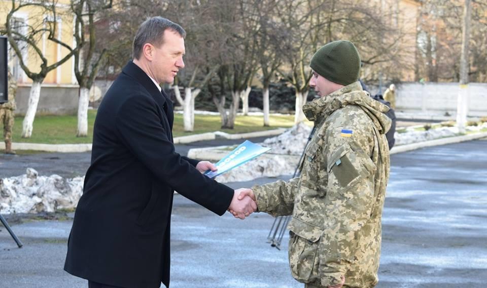 В Ужгороді урочисто вітали бійців 128-ої гірсько-піхотної бригади: фото, фото-10