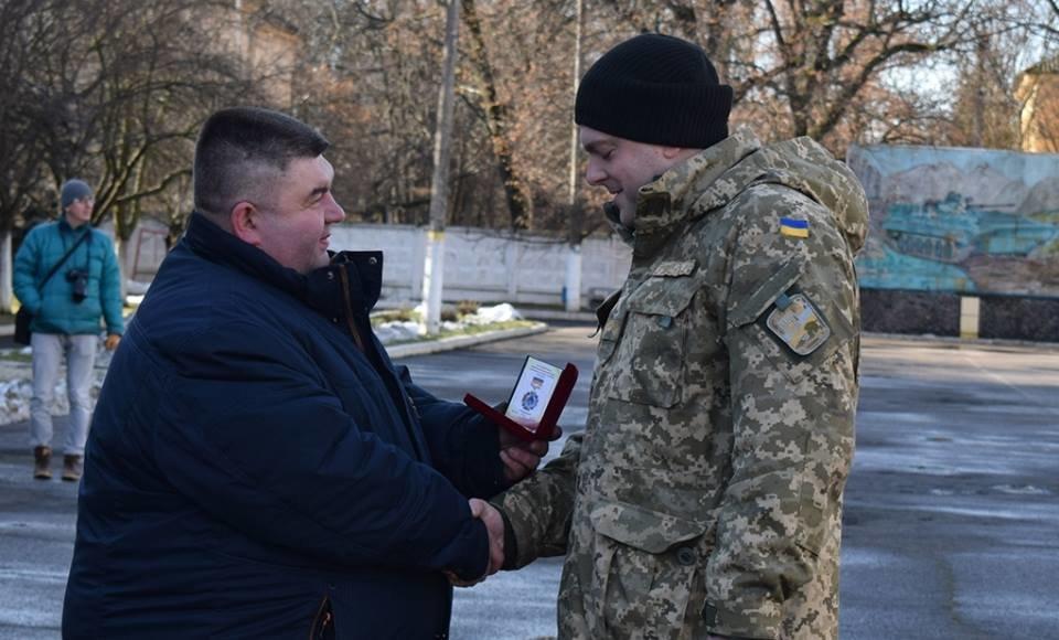 В Ужгороді урочисто вітали бійців 128-ої гірсько-піхотної бригади: фото, фото-19
