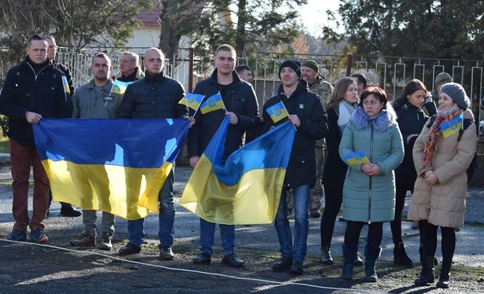 В Ужгороді урочисто вітали бійців 128-ої гірсько-піхотної бригади: фото, фото-3