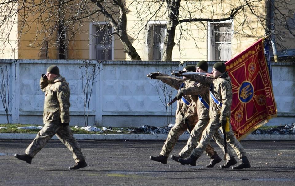 В Ужгороді урочисто вітали бійців 128-ої гірсько-піхотної бригади: фото, фото-5