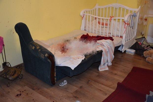 На Мукачівщині 28-річна жінка зарізала свою 2-річну доньку, а потім хотіла покінчити із собою: фото, фото-1