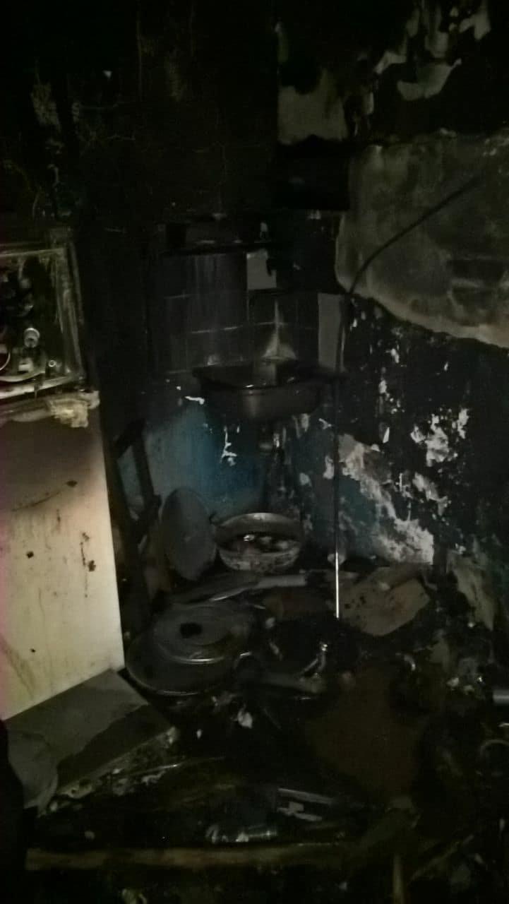 В Ужгороді загорівся 4-й гуртожиток УжНУ: 300 студентів евакуйовано,12 врятували за допомогою пожежних драбин (ФОТО, ОНОВЛЕНО))  , фото-4