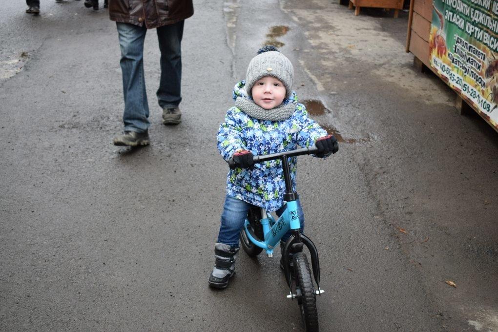 В Ужгороді на набережній Незалежності стартував «Медовуха-фест» (ФОТОРЕПОРТАЖ), фото-16