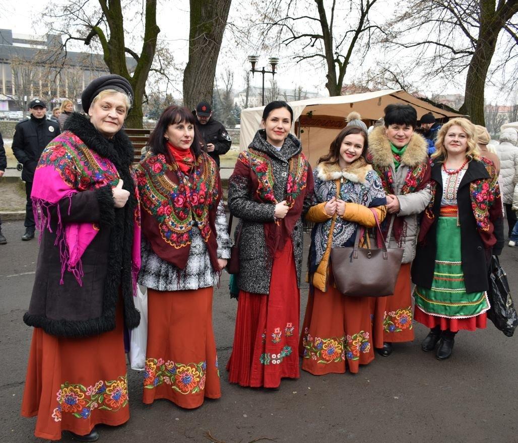 В Ужгороді на набережній Незалежності стартував «Медовуха-фест» (ФОТОРЕПОРТАЖ), фото-23