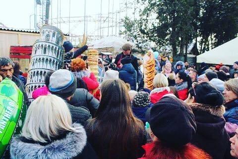 """Рекорд на """"Варишській палачінті"""": у Мукачеві збудували вежу із 1000 млинців (ФОТО), фото-2"""