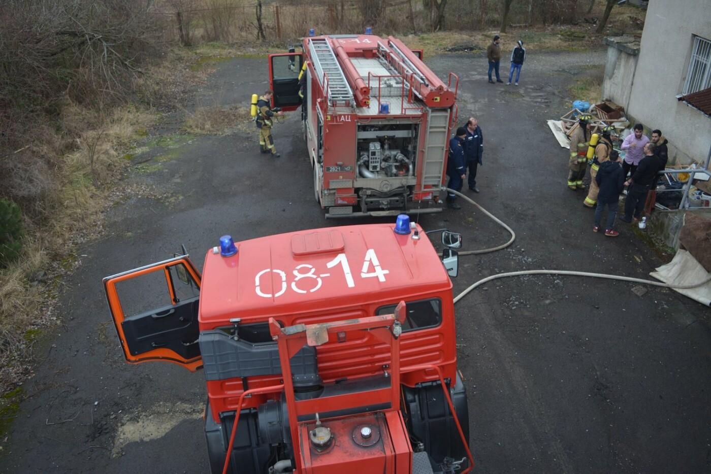 В Ужгороді - пожежа в готелі на Собранецькій: 42-х людей евакуйовано, ще одного врятували від смерті (ФОТО, ВІДЕО), фото-4