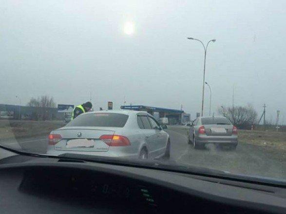 До уваги водіїв: закарпатська поліція перевіряє автомобілі через підпал будівлі угорського товариства (ФОТО) , фото-1