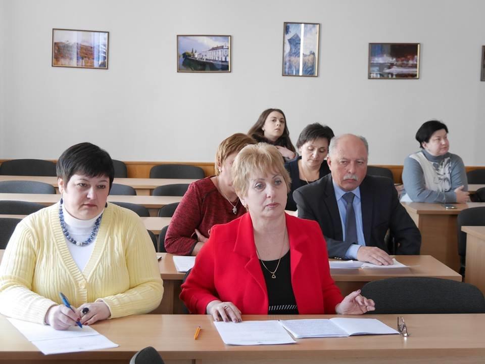 Ужгородські навчальні заклади офіційно виходять на навчання з 5-го березня, фото-1