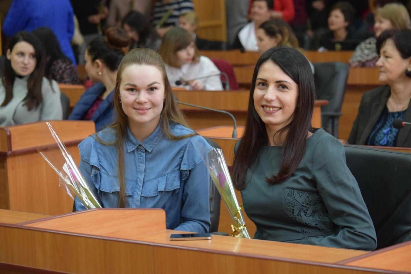 Андріїв з відпустки зателефонував в ужгородську мерію, щоб привітати жінок, які залишилися на роботі (ФОТО), фото-4