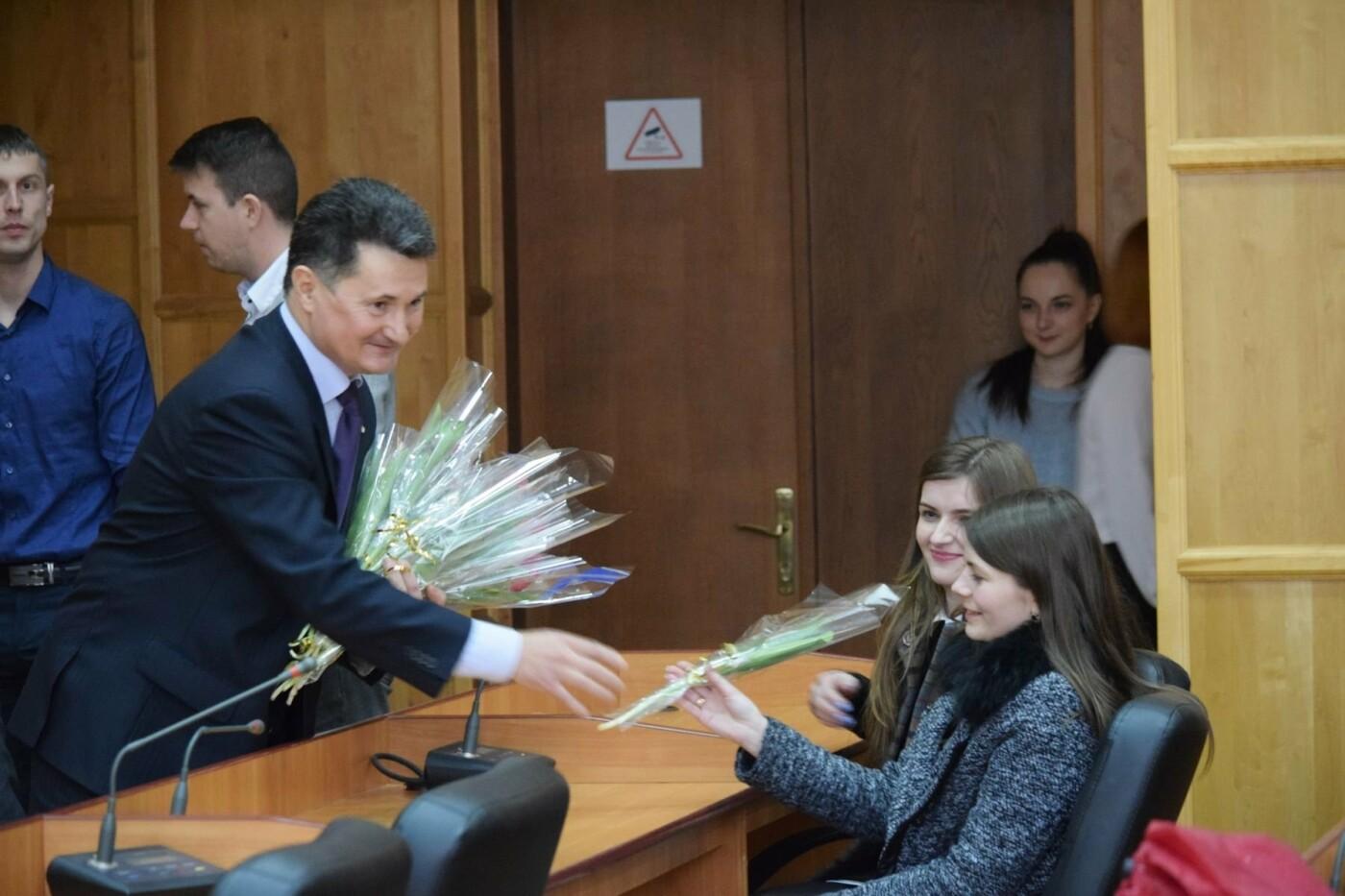 Андріїв з відпустки зателефонував в ужгородську мерію, щоб привітати жінок, які залишилися на роботі (ФОТО), фото-6