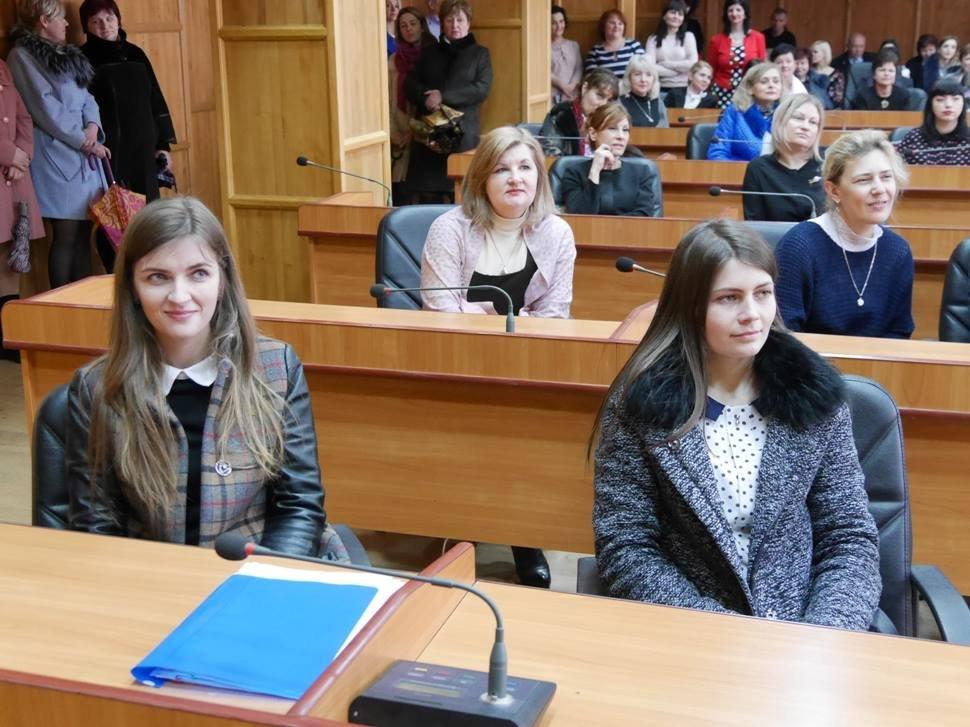 Андріїв з відпустки зателефонував в ужгородську мерію, щоб привітати жінок, які залишилися на роботі (ФОТО), фото-7