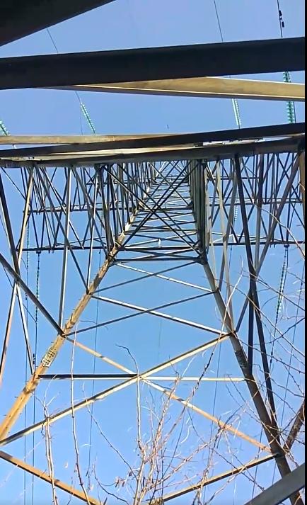 Закарпаття могло залишитися без світла: зловмисники украли кутники з опори лінії електропередач у 220 000 вольт (ФОТО), фото-2