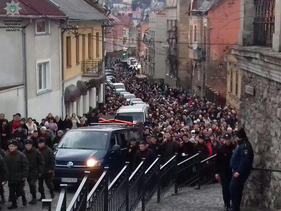 Більше 2000 закарпатців взяли участь у Хресній ході вулицями Ужгорода (ФОТО), фото-3