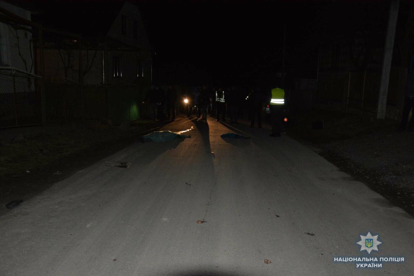"""Біля Мукачева 22-річна дівчина на """"Фольксвагені"""" збила 44-річну мешканку села і залишила її помирати на дорозі (ФОТО), фото-1"""