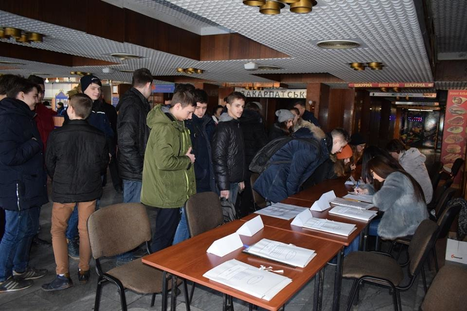 """Навчання в Ужгороді: через витік хлору на """"Водоканалі"""" евакуювали 335 людей, постраждало двоє працівників  (ФОТОРЕПОРТАЖ), фото-6"""