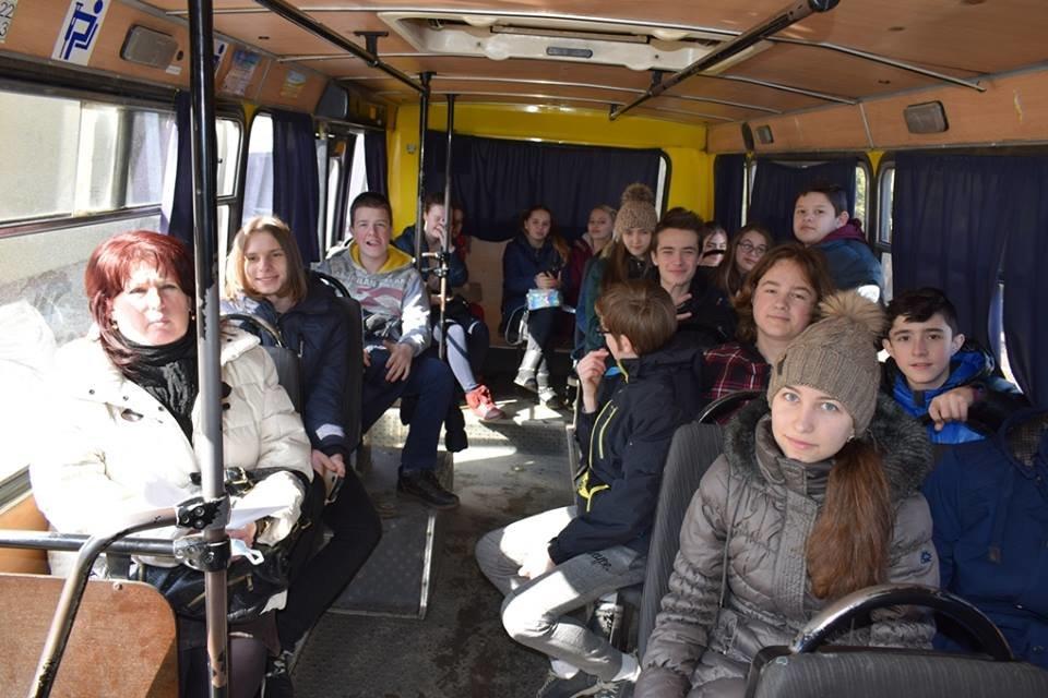 """Навчання в Ужгороді: через витік хлору на """"Водоканалі"""" евакуювали 335 людей, постраждало двоє працівників  (ФОТОРЕПОРТАЖ), фото-2"""