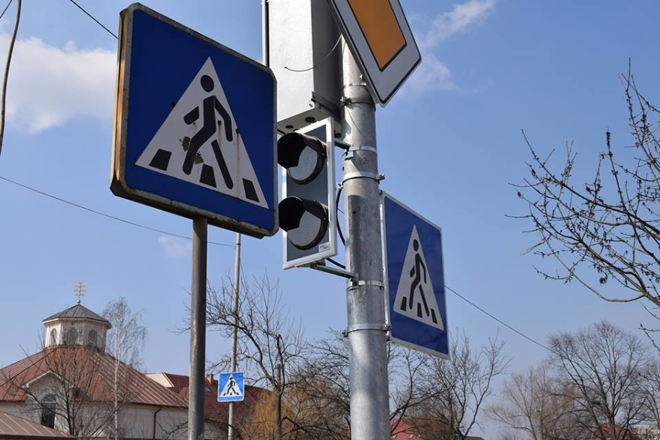 Капремонт перехрестя Минайської та Можайського в Ужгороді: новий світлофор, додаткова смуга і клумба (ФОТО), фото-3