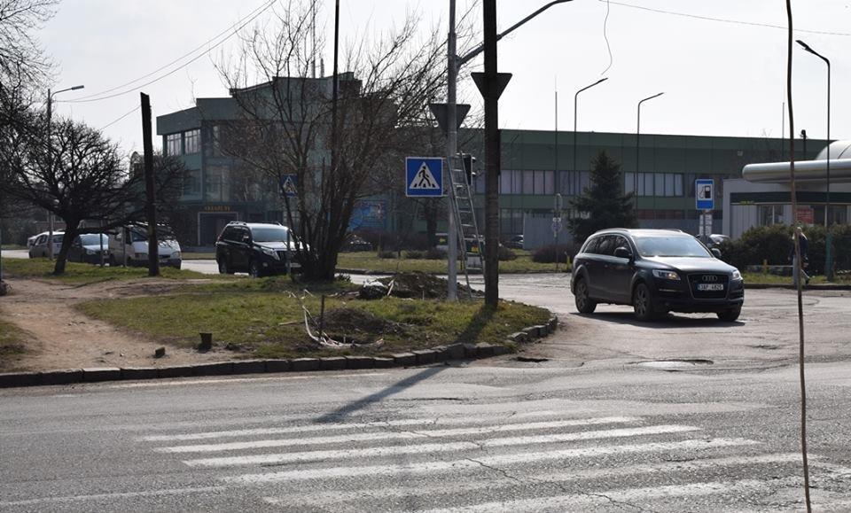 Капремонт перехрестя Минайської та Можайського в Ужгороді: новий світлофор, додаткова смуга і клумба (ФОТО), фото-2