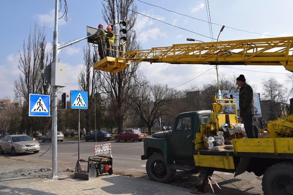 Капремонт перехрестя Минайської та Можайського в Ужгороді: новий світлофор, додаткова смуга і клумба (ФОТО), фото-4