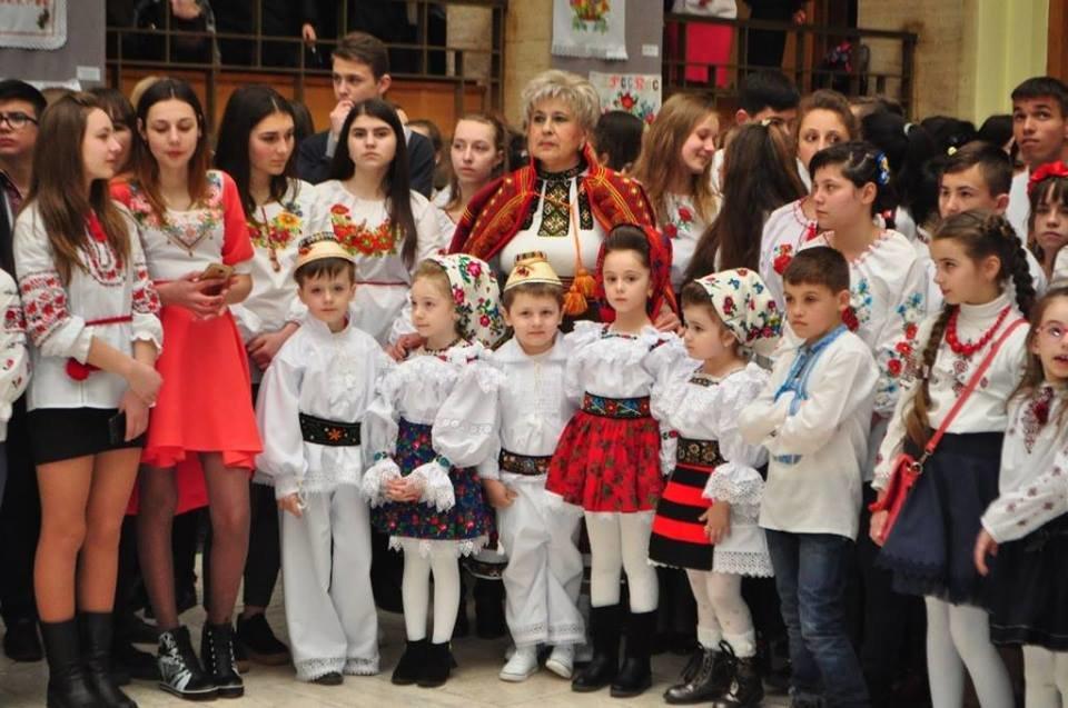 Національний рекорд в Ужгороді: на площі Народній виставили 17 000 писанок (ФОТО, ВІДЕО), фото-9