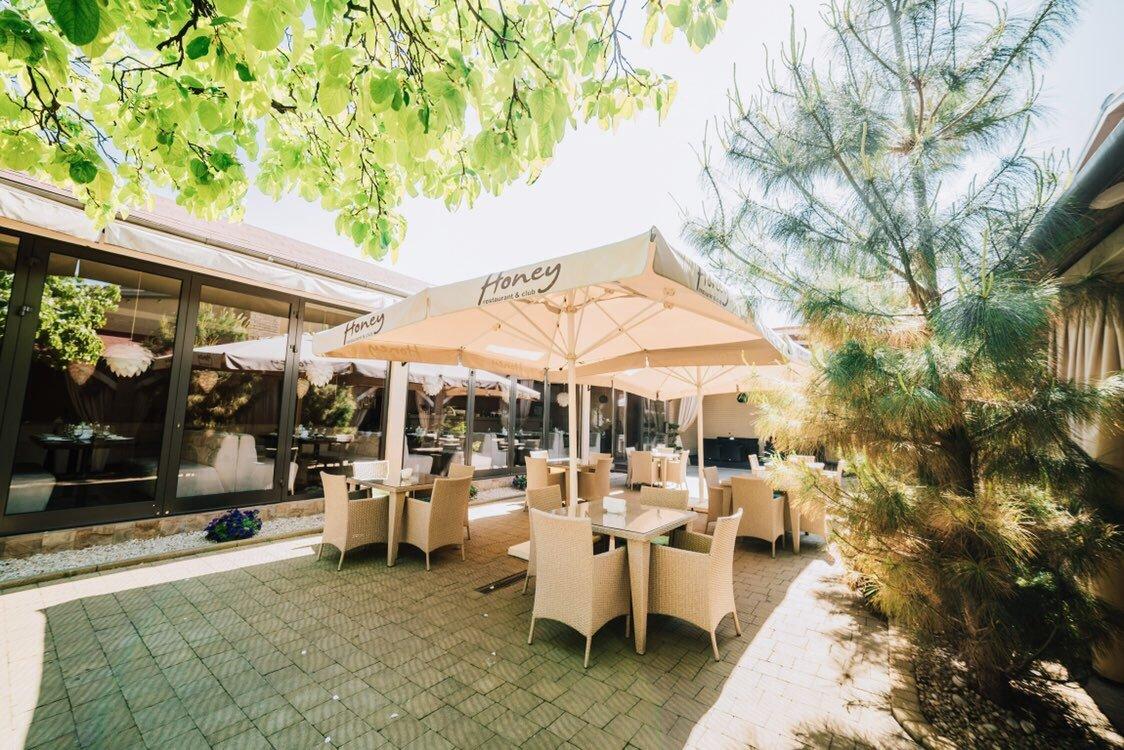 Де в Ужгороді можна відпочити від щоденних турбот та смачно поїсти на свіжому повітрі (ФОТО), фото-6