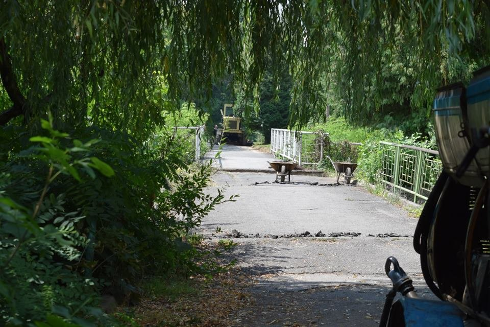 Рівні доріжки, оновлений понтонний міст: у Боздоському парку Ужгорода розпочались ремонтні роботи (ФОТО), фото-2