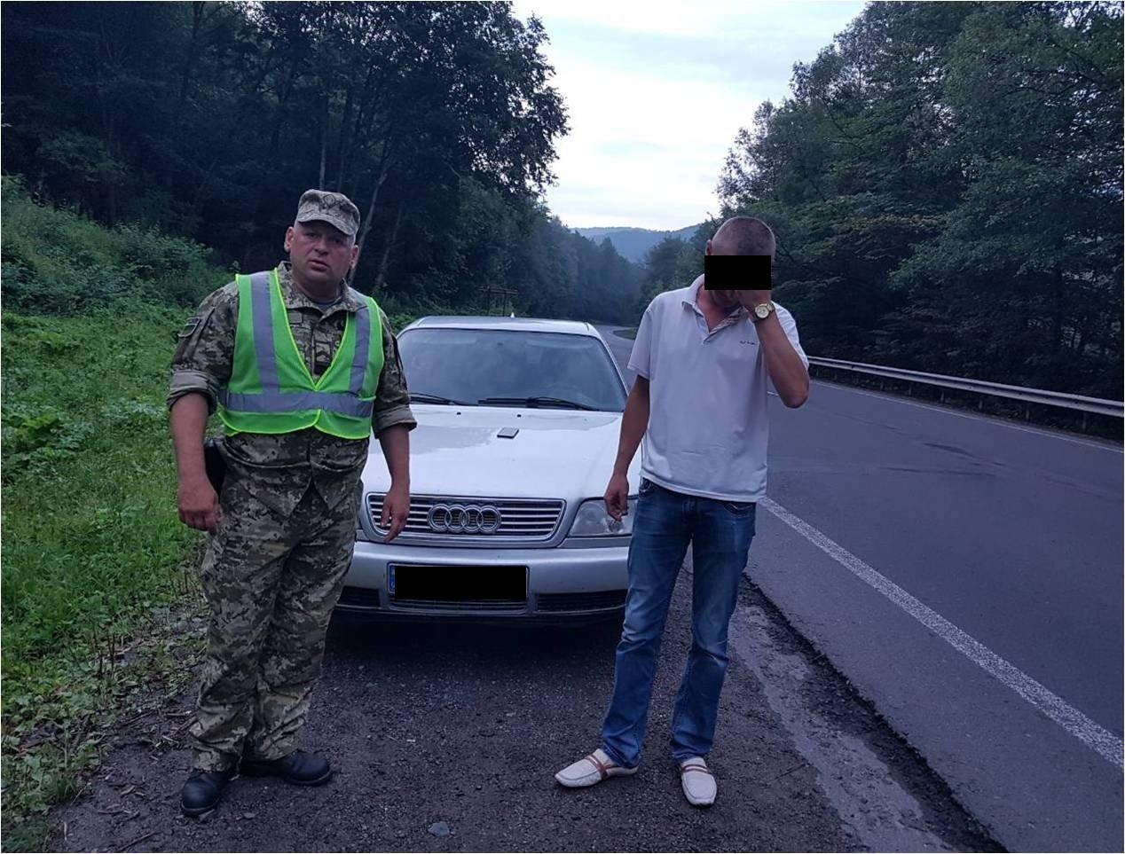 """На посту """"Нижні Ворота"""" у напрямку Закарпаття в автомобілі 30-річного україця виявлено п'ятьох нелегалів (ФОТО) , фото-1"""