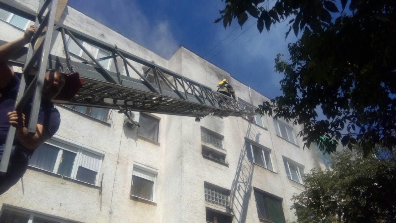 Пожежа в п'ятиповерхівці на Можайського: врятовано 4-х мешканців, серед яких 2-є неповнолітні (ФОТО), фото-3